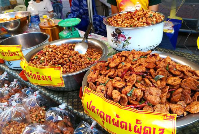 バンコクの中華街の屋台