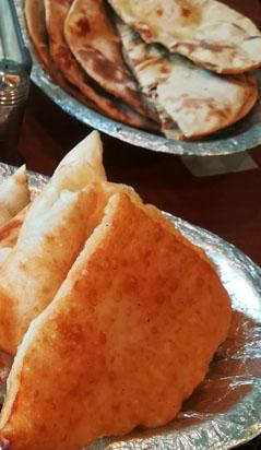 ロティと揚げパン