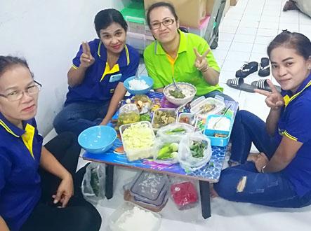 日系の会社の昼食