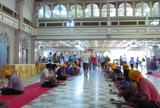 聖なるタダ飯 in バンコク