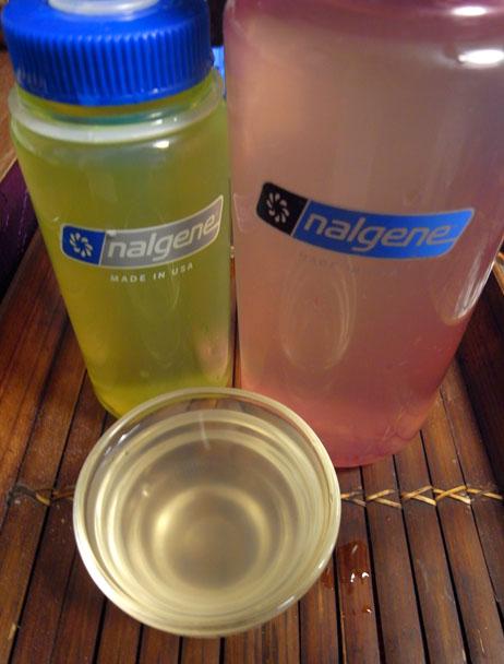 玄米茶を水筒に保存